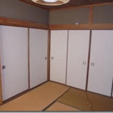| 室内ドア2つ