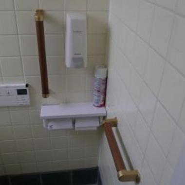 トイレ手すりなど