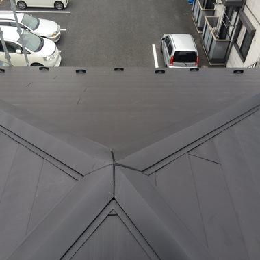 さいたま市桜区  コロニアル屋根葺き替え工事の施工後写真(1枚目)