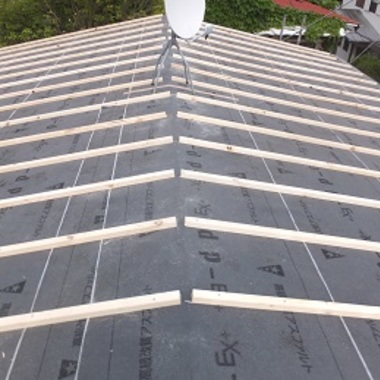 ガルバリウム屋根葺き替え 施工中