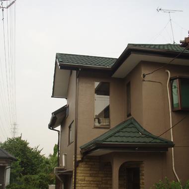 カバー工法で屋根補修完了