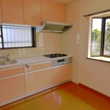 シンプルモダンなデザインの住まい キッチン
