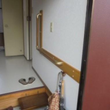 玄関手すり設置 別角度