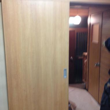 内装修繕工事 ドアの設置完了