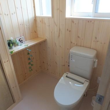 トイレの壁リフォーム後