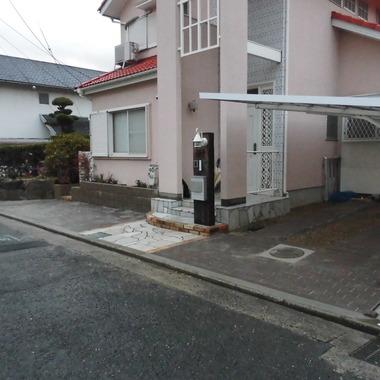 玄関廻り施工後 駐車スペースを拡張工事後 全体画像