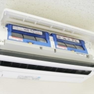 お掃除機能付エアコンのクリーニング