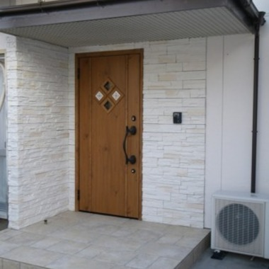 | 玄関外壁 タイル張替え