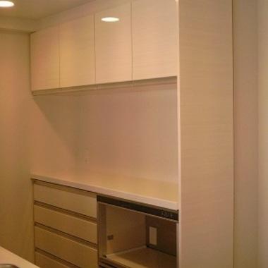 | キッチンに収納棚設置 後