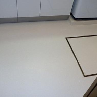 洗面所 内装 床の貼り替え