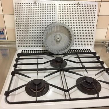 焦げ付いたガスコンロもクリーニングでキレイさっぱり。の施工後写真(0枚目)