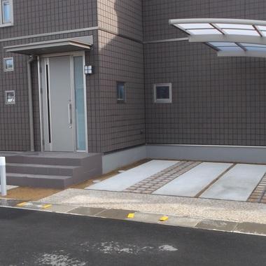 外構工事 完了 玄関 ガレージ