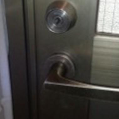 | 玄関 カギ開け