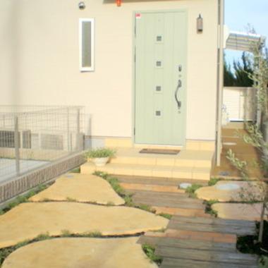 玄関先入口 側面 外装施工後