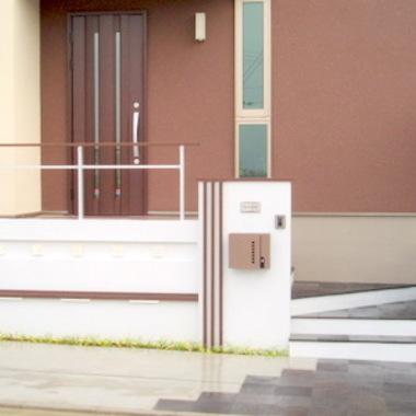 玄関入口通路 玄関前 外装施工後