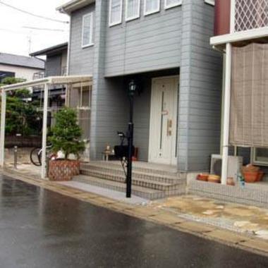 玄関先 花壇植木設置 外装施工後