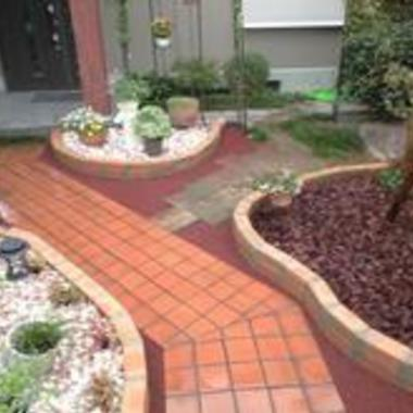 | 庭 煉瓦花壇設置 外装施工後