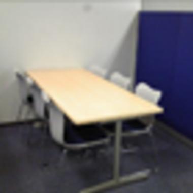 オフィス テーブルとイス