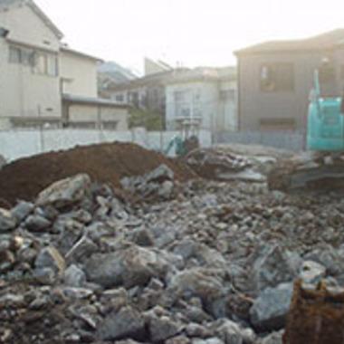 家屋解体後の土地の様子
