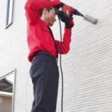 | エアコン取り付け・貫通穴開け工事作業中