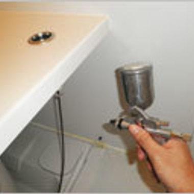 浴室エプロン内部の高圧洗浄途中 3