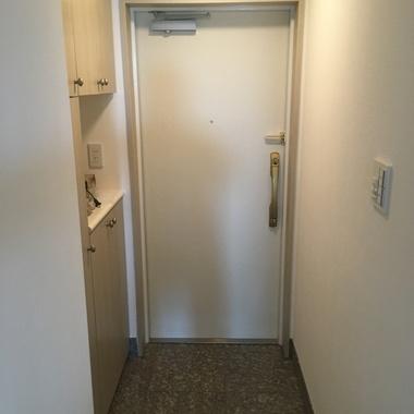 玄関ドア内側の修繕完了1