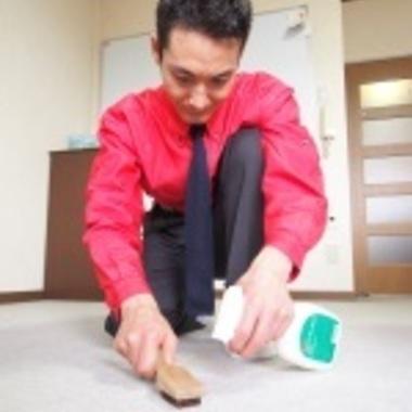 | カーペットクリーニング作業1