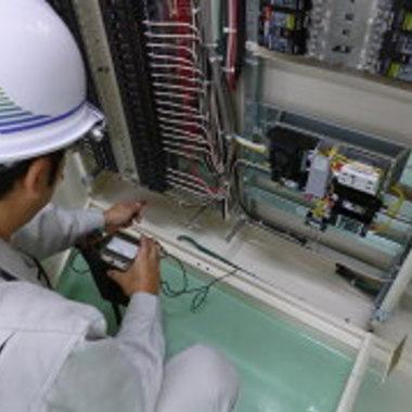 電気設備 メンテナンス作業