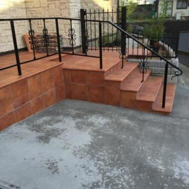 戸建住宅 リノベーション完了 玄関階段