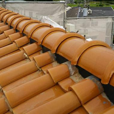 | 棟瓦積み直し工事 雨樋交換工事後 屋根
