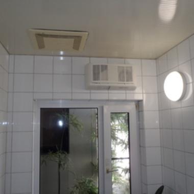 | 電気式浴室乾燥機後