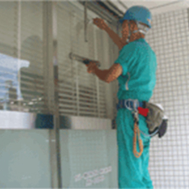 ビルメンテナンス ガラス・窓清掃