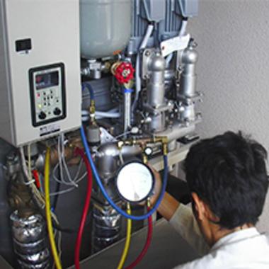 ビルメンテナンス 高圧給水ポンプ点検