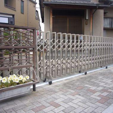 門扉リフォームの左側からの撮影
