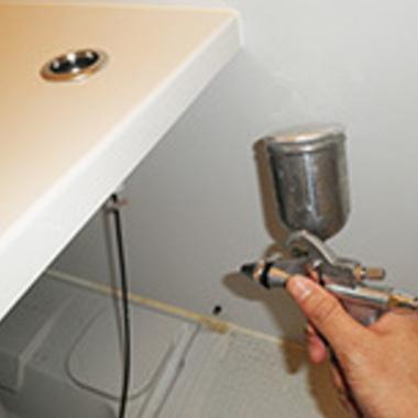 エプロン内部高圧洗浄 防カビコーティング風景3
