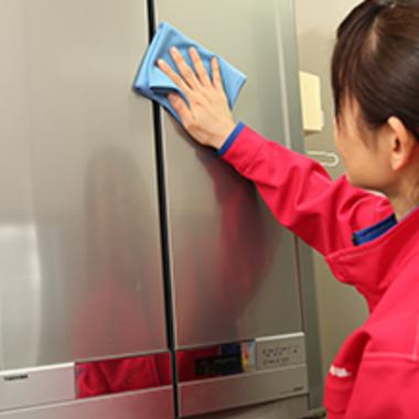 冷蔵庫クリーニング作業中 5