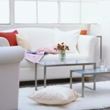 リビングのソファーとテーブル
