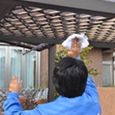 ベランダ屋根の拭き掃除