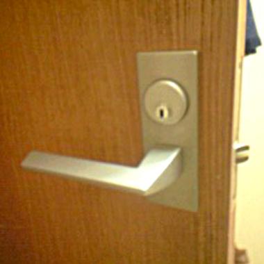 | 室内ドアのカギ交換後