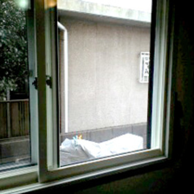 | 修理後の窓ガラス