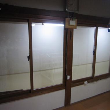 交換後のガラス 斜め