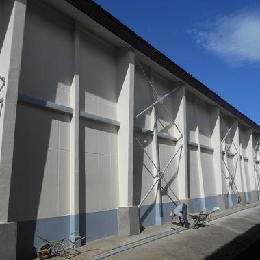 塗装完成間近の外壁
