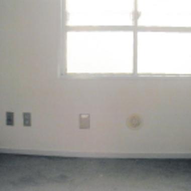 クロス張替え後の壁