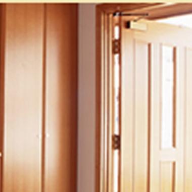   玄関ドア