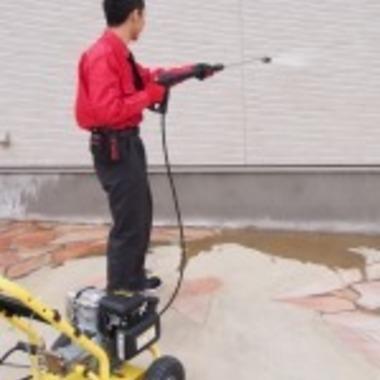 高圧洗浄での外壁クリーニング作業