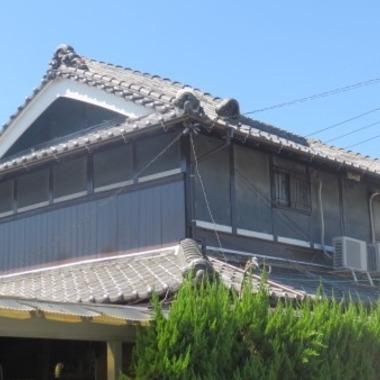 雨樋取替え・木部 鉄部塗装後の住宅外観