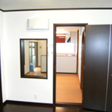 防音工事後の防音室のドアと窓