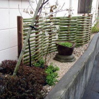 日本庭園施工後の住宅横全体