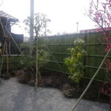 施工の日本庭園