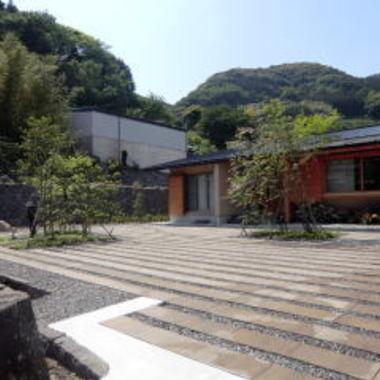日本庭園施工後の住宅外観